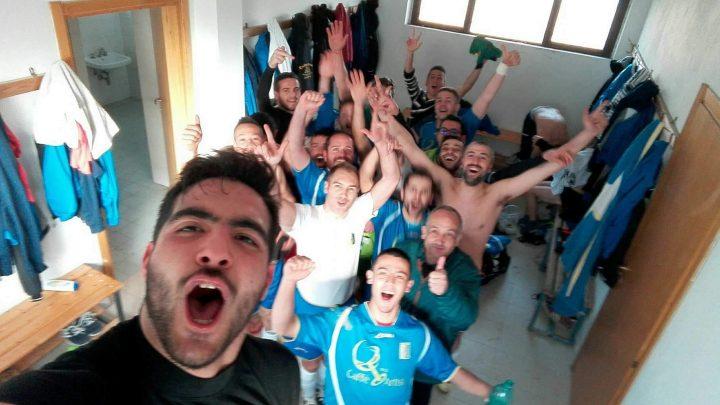 I selfie di Guilcersport. La grande festa dei giocatori del Cuglieri dopo la vittoria di domenica scorsa nel derby contro il Montiferru