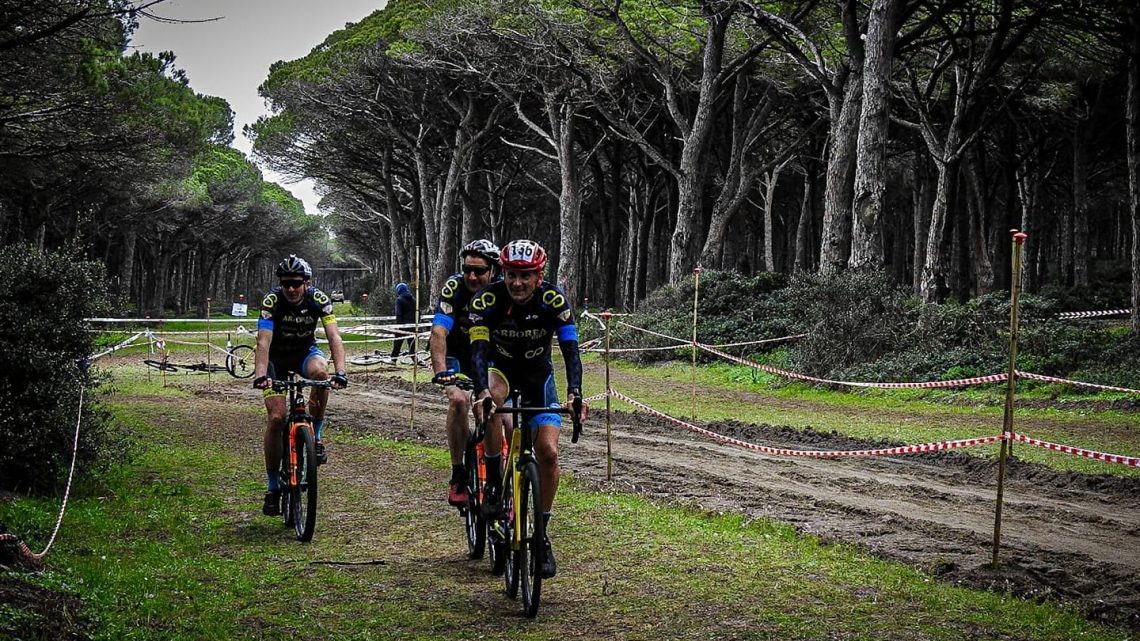"""CICLOCROSS/ Ottimo successo ad Arborea  per il  """"Trofeo Bruno Valente"""""""